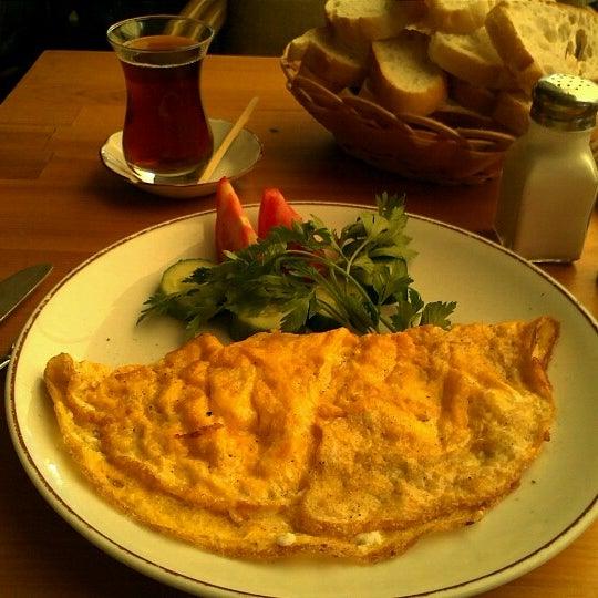6/17/2012 tarihinde Mehmet Emin Ö.ziyaretçi tarafından Dodo Cafe & Pub'de çekilen fotoğraf