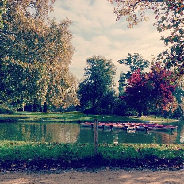 Photo taken at Lac Daumesnil by Kvn R. on 10/21/2012