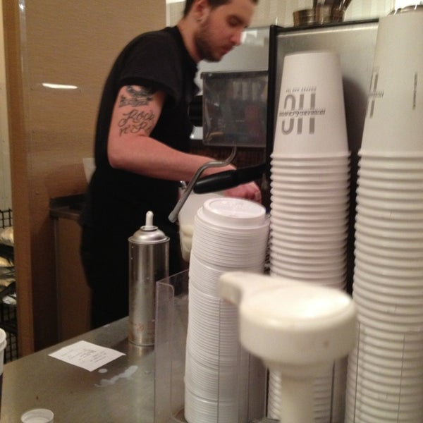 Photo taken at Hubbard & Cravens Coffee and Tea by Rae K. on 12/18/2012