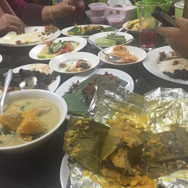 Photo taken at MABIQ Restaurant by Erna Z. on 10/8/2016