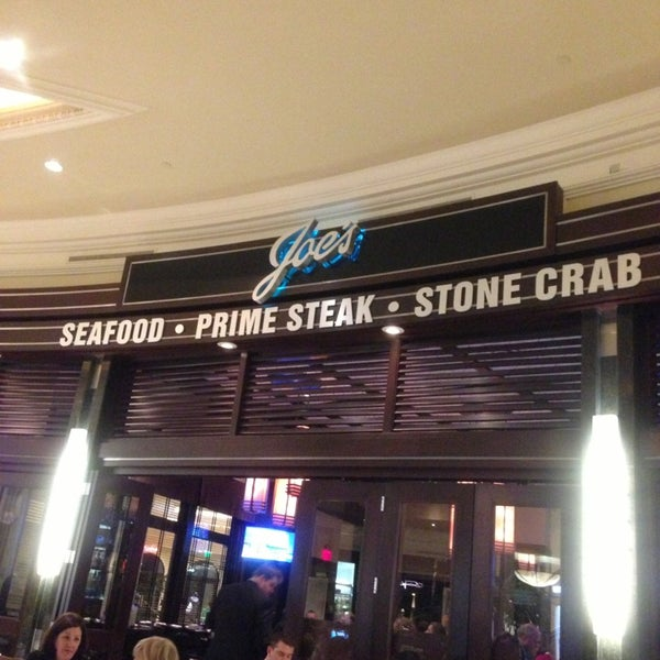 Photo prise au Joe's Seafood, Prime Steak & Stone Crab par Abdulrahman A. le4/9/2013