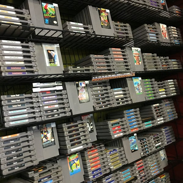 Photo taken at Game Over Videogames by Eloy Z. on 4/14/2016
