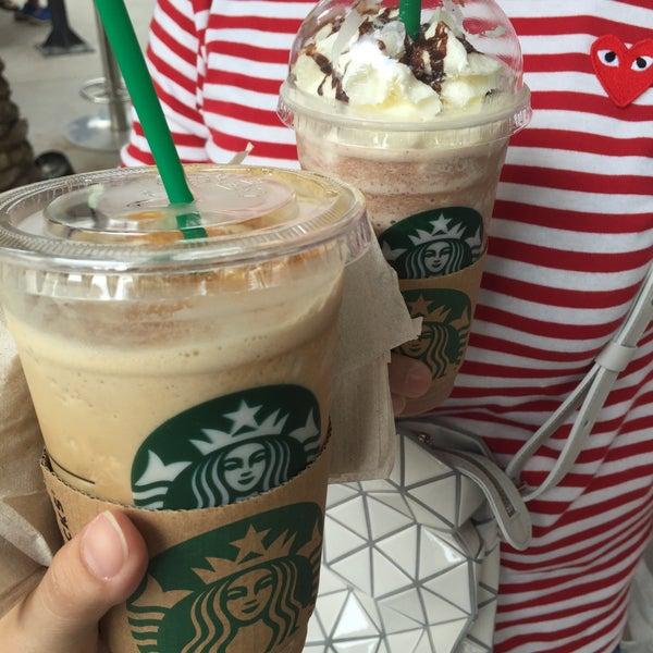 Photo taken at Starbucks by mildmorrr on 9/11/2016