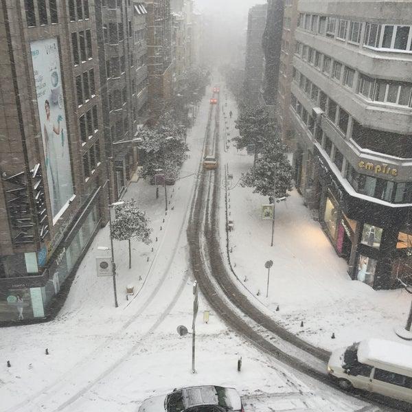 2/18/2015 tarihinde Engin C.ziyaretçi tarafından A&B İletişim A.Ş.'de çekilen fotoğraf