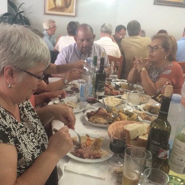 Foto tirada no(a) Restaurante Tony's por João G. em 6/27/2016