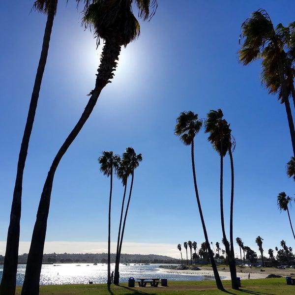 Foto tirada no(a) Mission Beach Park por Guido T. em 12/25/2015