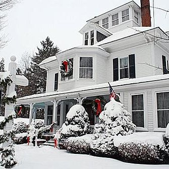 Maine Stay Inn And Cottages 34 Maine St