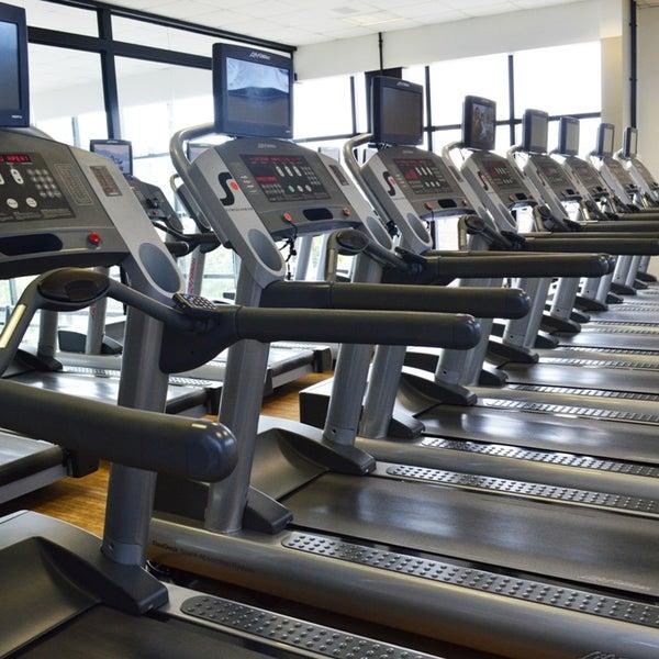 Foto tirada no(a) Summit Fitness Center por Summit Fitness Center em 7/29/2014
