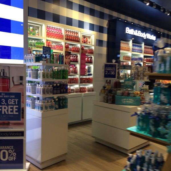 Bath Body Works Cosmetics Shop
