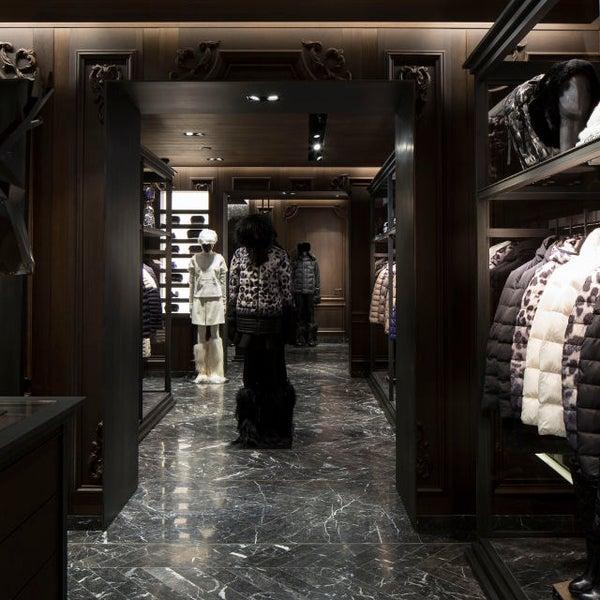 Moncler boutique in cortina d 39 ampezzo - Cortina boutique ...