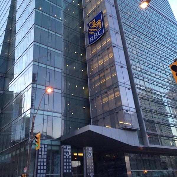 Toronto Entertainment District Food