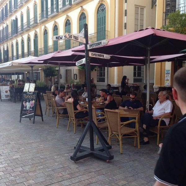 7/24/2014 tarihinde Cait S.ziyaretçi tarafından Café con Libros'de çekilen fotoğraf