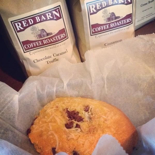 Foto tirada no(a) Red Barn Coffee At Angel's Cafe por Red Barn Coffee At Angel's Cafe em 7/21/2014
