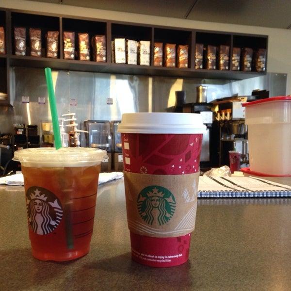 Photo taken at Starbucks by Rumi S. on 11/10/2013