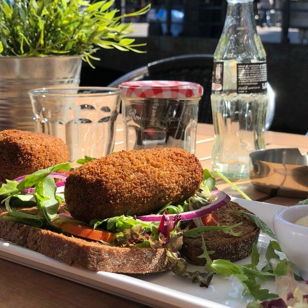 9/13/2018 tarihinde Sander B.ziyaretçi tarafından Lunch-Café Le Provence'de çekilen fotoğraf
