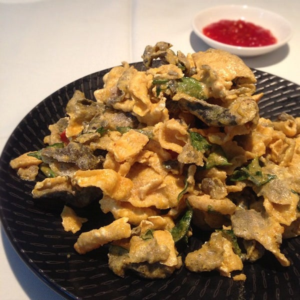 Tunglok seafood seafood restaurant in singapore for Salted egg fish skin