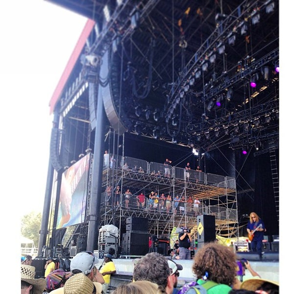 Photo taken at What Stage at Bonnaroo Music & Arts Festival by Kevin M. on 6/15/2013