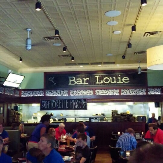 Photos at bar louie power and light district kansas city mo photo taken at bar louie by kevin m on 6232015 mozeypictures Choice Image
