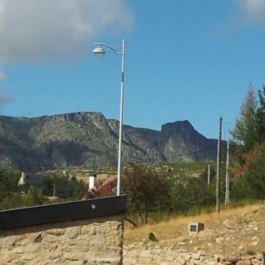 Foto tirada no(a) Serra da Estrela por Jaime P. em 10/12/2012