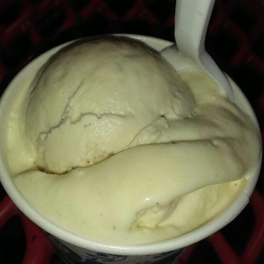 4/8/2013 tarihinde Carlo 🍙 S.ziyaretçi tarafından Amy's Ice Creams'de çekilen fotoğraf
