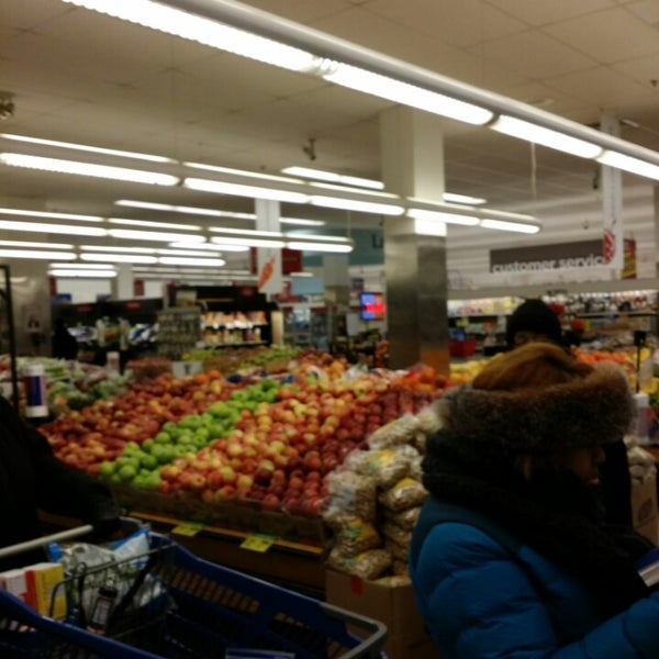 Photo taken at Super Foodtown by Derek P. on 1/26/2014