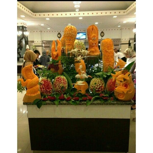 10/1/2015 tarihinde Binnur I.ziyaretçi tarafından Sah İnn Restaurant'de çekilen fotoğraf