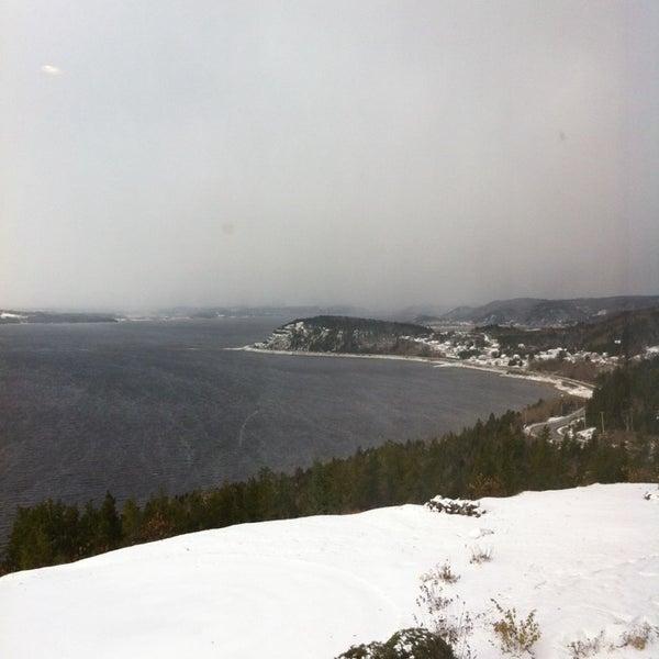 Foto diambil di Auberge La Tourelle du Fjord oleh Maxime S. pada 11/12/2013