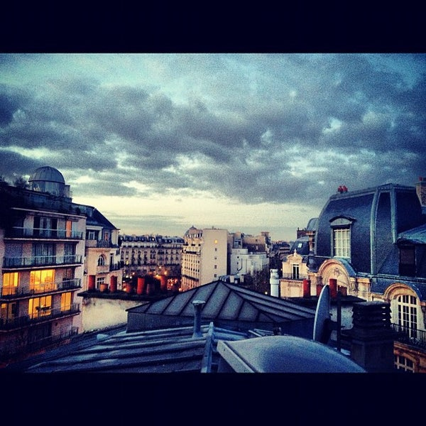 16e arrondissement passy neighborhood in paris. Black Bedroom Furniture Sets. Home Design Ideas