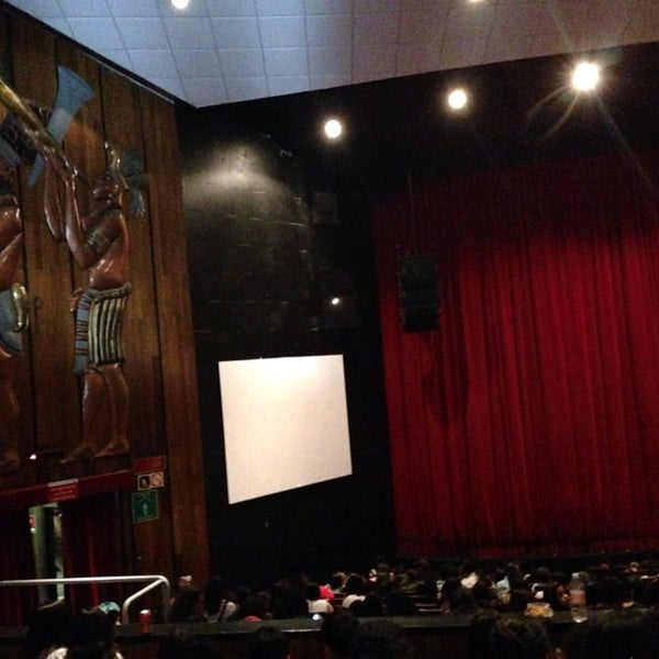 Foto tomada en Teatro Hidalgo por Diana L. el 11/29/2014