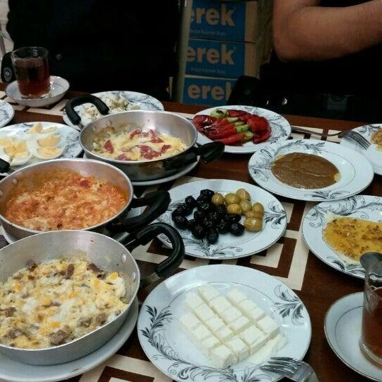 9/1/2015 tarihinde Fatihziyaretçi tarafından Yeni İmsak Kahvaltı Salonu'de çekilen fotoğraf