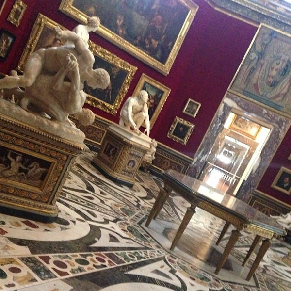 Photo taken at Uffizi Gallery by Stasy A. on 4/16/2013