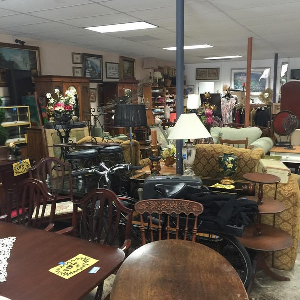 Consignment Classics Home Furnishings Mission Hills 4