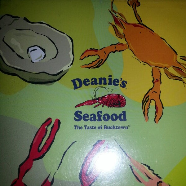 Photo taken at Deanie's Seafood by Lavesa G. on 4/5/2013