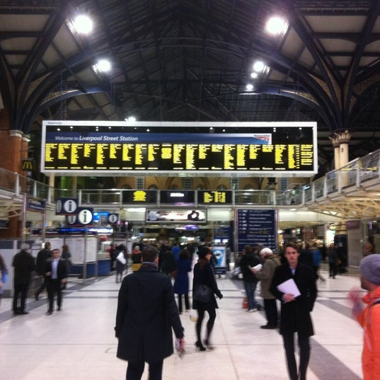 Photo taken at London Liverpool Street Railway Station (LST) by Stefan v. on 11/29/2012