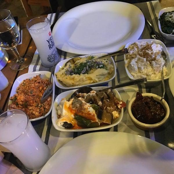 8/1/2017 tarihinde Pınar D.ziyaretçi tarafından Kekik Restaurant'de çekilen fotoğraf