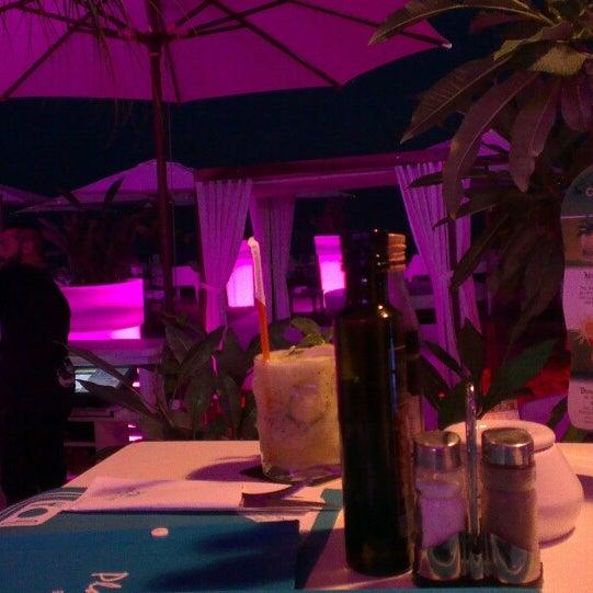 Foto tomada en Playa Miguel Beach Club por Rodrigo d. el 8/7/2014
