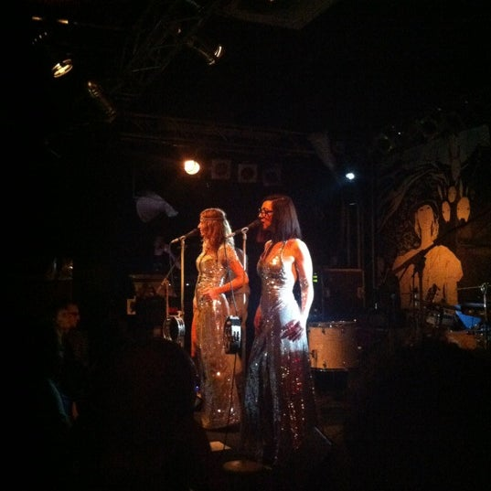 Das Foto wurde bei Frannz Club von Nina H. am 11/18/2012 aufgenommen