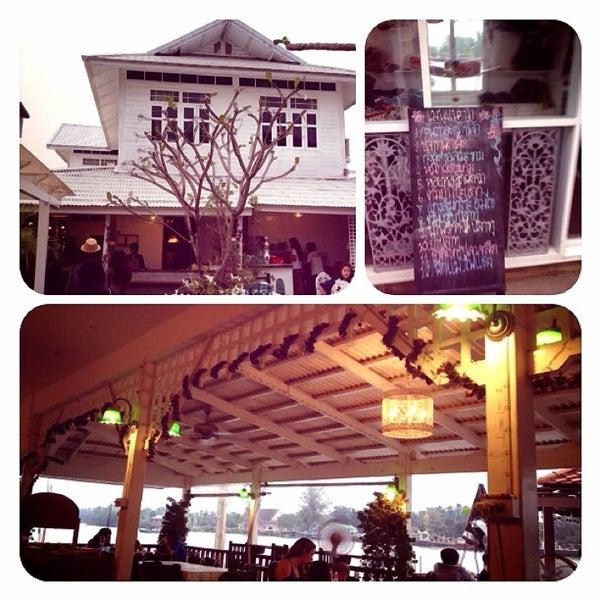 Photo taken at Baan Chom View by Taytoon U. on 2/3/2013