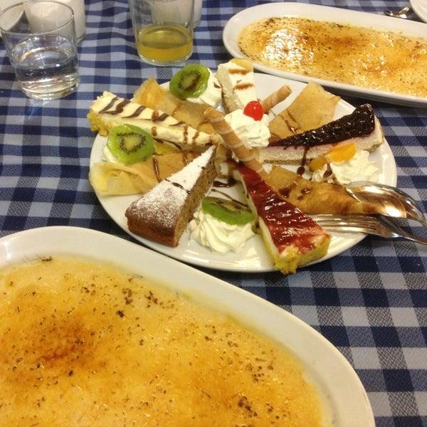 Foto tomada en Carlos Tartiere Restaurante Sidrería por Víctor L. el 1/11/2013