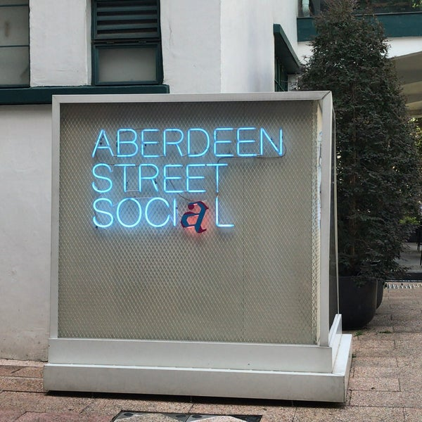 Photo taken at Aberdeen Street Social by Richard S. on 10/31/2016