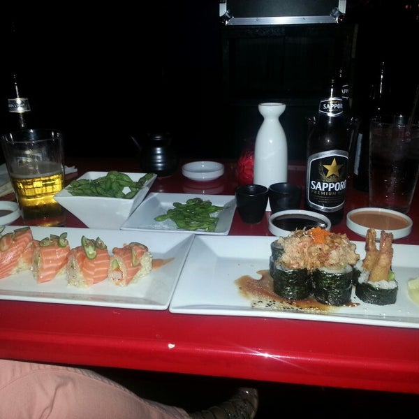Foto tomada en Red Koi Thai & Sushi Lounge por Gabriel P. el 5/19/2013