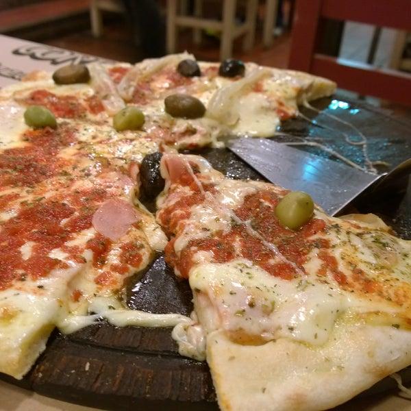 La pizza de piamontesa es deliciosa! La mejor pizza de la costa