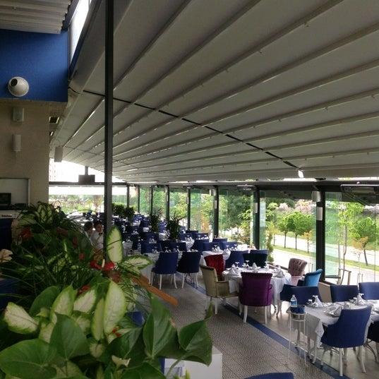 5/17/2012 tarihinde sercan umut o.ziyaretçi tarafından Foça Fish Gourmet'de çekilen fotoğraf