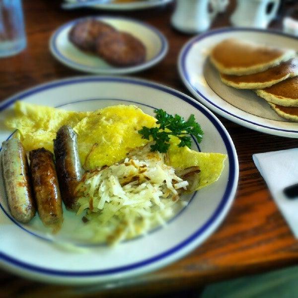 Photo taken at Bob Evans Restaurant by Blair J. on 6/17/2012