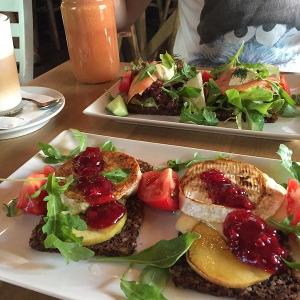 """Great coctails - """"detox"""" and """"vitality"""" have very strong ginger taste. Tasty camembert and salmon sandwiches. Cozy and trendy place! Great service, you can pay with cash here :)"""