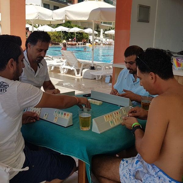 รูปภาพถ่ายที่ Ulu Resort Hotel โดย Barış Ş. เมื่อ 9/23/2017