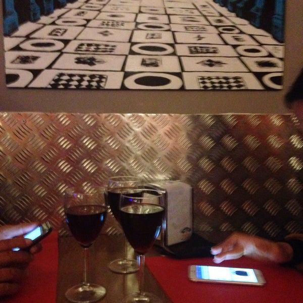 Foto tomada en Pizzeria O' Vesuvio Napoletana Forno Legna por Selma Ç. el 1/1/2016