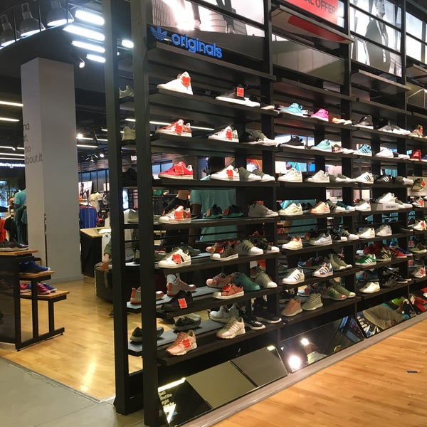 Photo taken at Adidas Yas Mall by Ilker K. on 5/12/2017