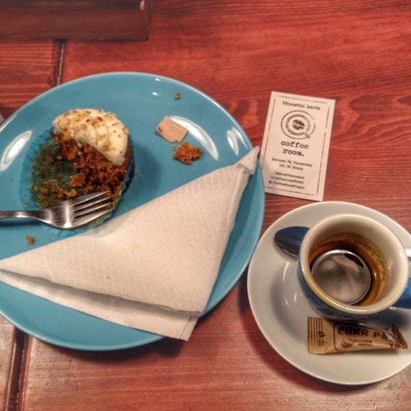 Perfect coffee, delicious desserts, friendly staff! Definitely worth to visit this place!