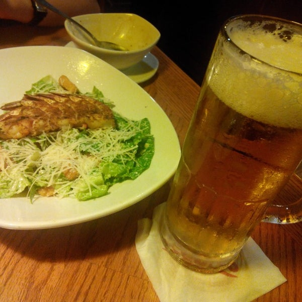 Photo taken at Outback Steakhouse by Andrew C. on 5/28/2013